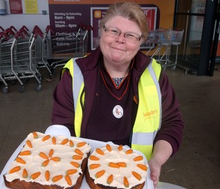 Wellesbourne Sainsbury's fundraises for Redwings